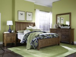Broyhill Furniture Attic Heirlooms - Original Oak Sleigh Bedroom Set